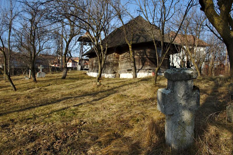 """Biserica """"Cuvioasa Paraschiva"""" din Izvoarele."""