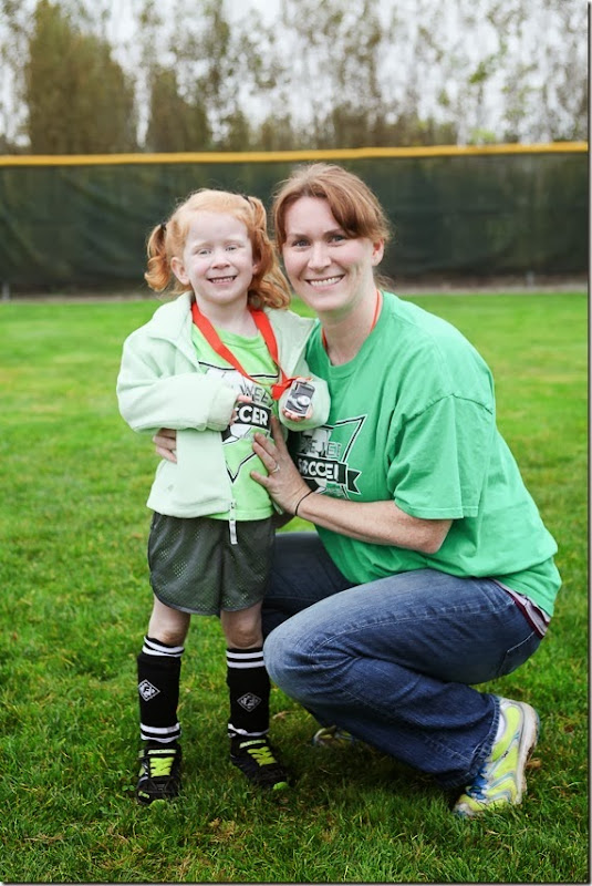 Sara and mommy, Sara with her soccer medal (2)-small