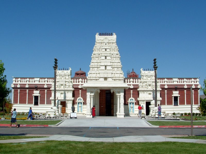 Wonderful Hindu Temples abroad: Lord Venkateshwara Temple(Birmingham United Kingdom), Malibu Hindu Temple(Malibu California US), Shiva-Vishnu Temple(Livermore California US) and many more