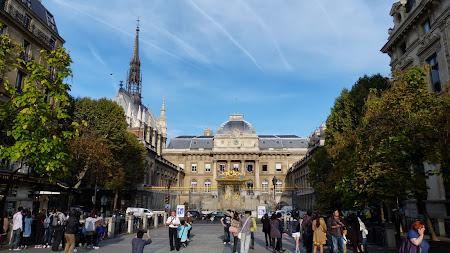 Obiective turistice Paris:  Tribunalul si St. Chapelle