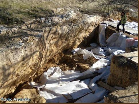 Abrigo de Navalmaillo - Yacimientos paleontológicos de Pinilla del Valle