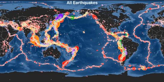 """Este v�deo incluye el 10 aniversario del terremoto de Sumatra-Andam�n 9,1 grados de magnitud que gener� el tsunami del Oc�ano �ndico en 2004, uno de los peores desastres en la historia con una cifra de v�ctimas superior a 200.000 personas. En la d�cada que sigui� a este evento no han sido muchos m�s los tsunamis provocados por grandes terremotos, y esta animaci�n muestra todos los terremotos en secuencia a una velocidad de 30 d�as por segundo desde el 1 de diciembre de 2004 hasta el 30 de noviembre de 2014, concluyendo con un mapa que muestra todos los terremotos registrados en este lapso de tiempo. A continuaci�n, la transici�n a un mapa que muestra s�lo los sismos con magnitud 6.5 o mayor (alrededor de 500 en total), el tama�o m�s peque�o conocido para generar un tsunami peligroso y por lo tanto el umbral PTWC utilizado t�picamente para comenzar a evaluar el riesgo de tsunami. A continuaci�n, la transici�n una vez m�s a un mapa que muestra los terremotos con magnitud 8.0 o mayor (17 en total), los """"grandes"""" terremotos que tienen m�s probabilidades de presentar un peligro de tsunami si se producen cerca del fondo marino."""