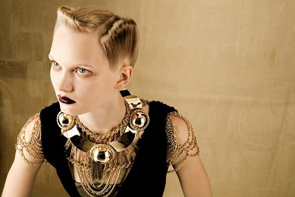 BOLD-GOLD-by-Oskar-Cecere-for-Vogue-Italia-DESIGNSCENE-net-03