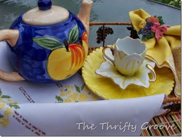 yellow teacup 008