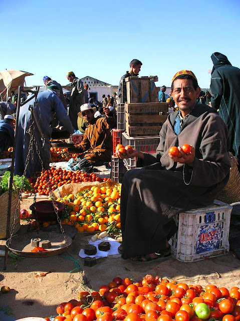 Vegetable market in Imin