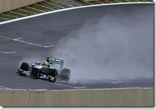 Rosberg nelle prove libere del gran premio del Brasile 2013