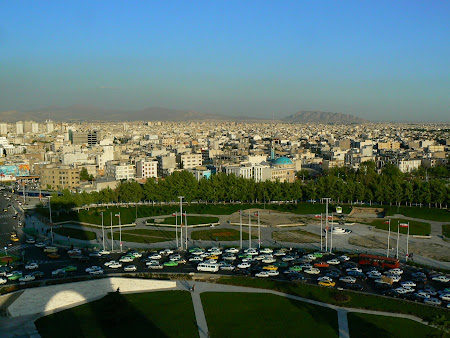Things to see in Teheran: Bald mountains