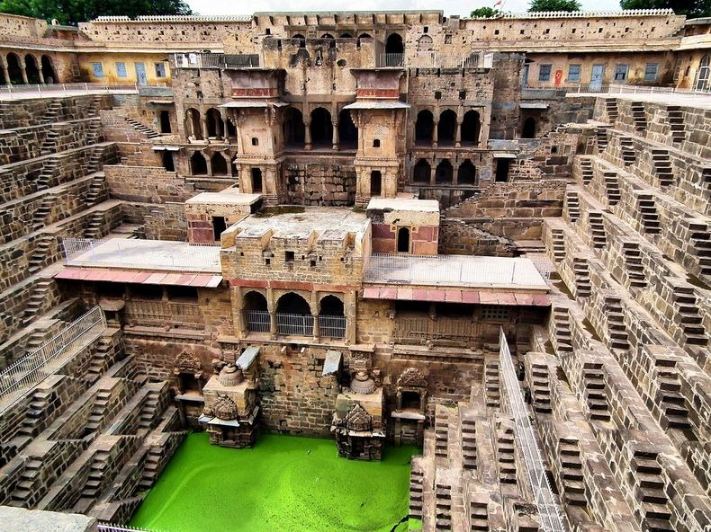 chand-baori-8