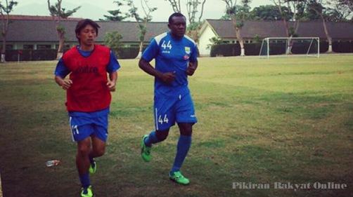 Herman Dzumafo dan Kenji Adachihara Langsung Akrab