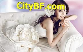 Bride-on-a-sofa-wallpaper_4267.jpg