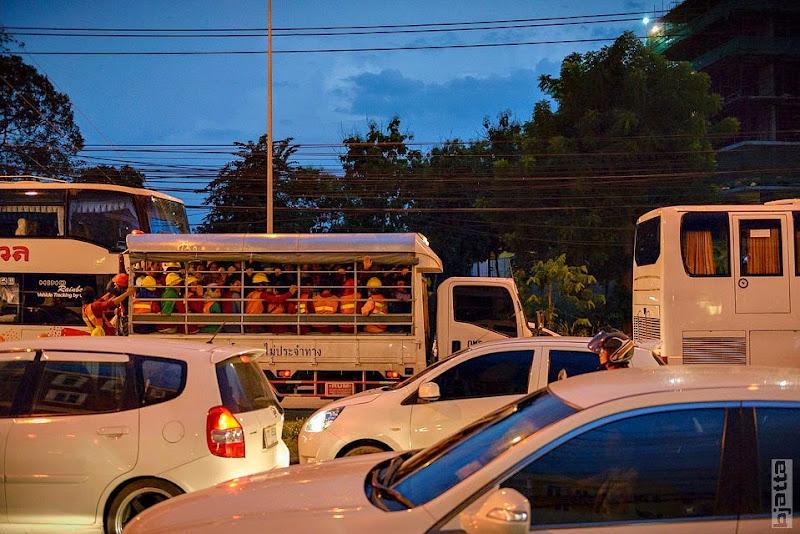 2557_Thailand_Pattaya_Jomtien_transport_tuk_tuk_tuck_tuck_taxi-52