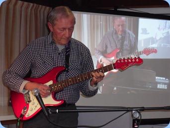 Brian Gunson played his super new G&L guitar for us.
