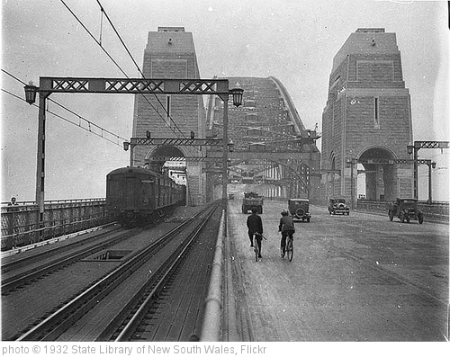 'First cars and trains across Sydney Harbour Bridge, March 1932 / Sam Hood' photo (c) 1932, State Library of New South Wales - license: http://www.flickr.com/commons/usage/