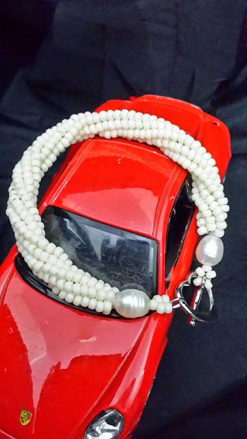 beads putih