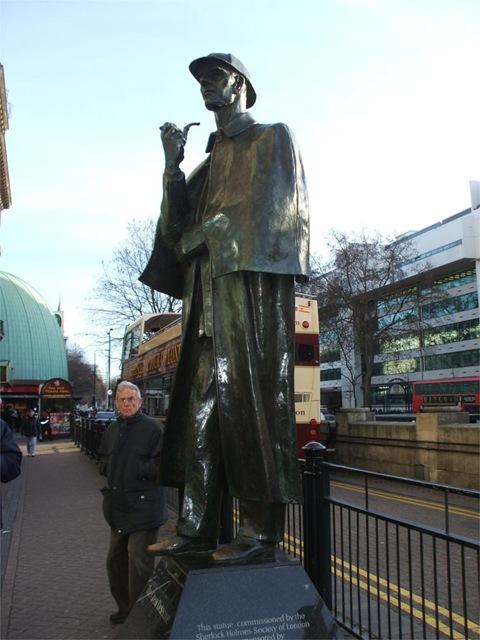 Sherlock Holmes Statue at Bker Street