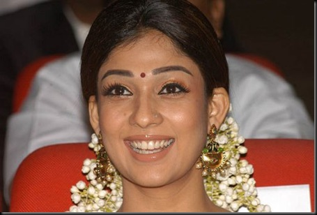 nayanatara-at-sri-rama-rajyam-50th-day-function4