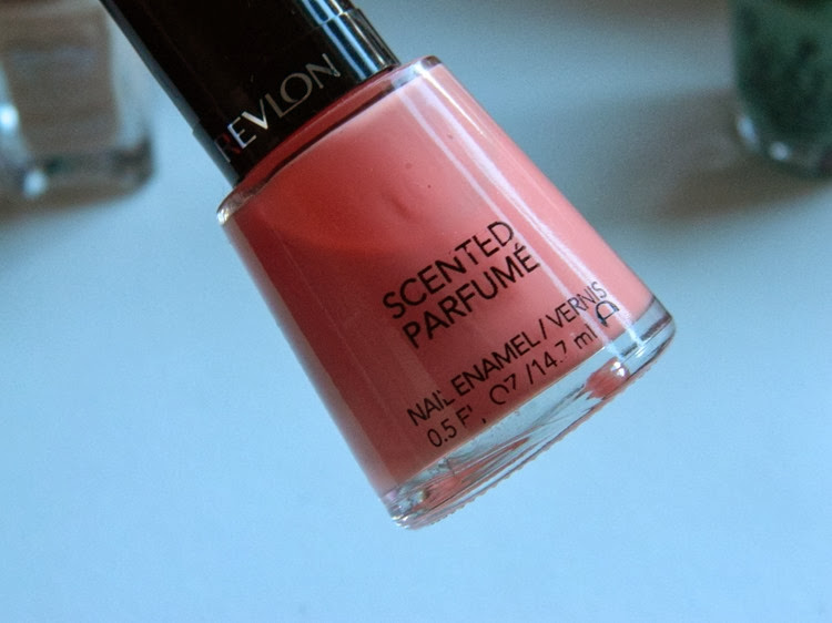 Revlon Scented Polish - Strawberry Cream