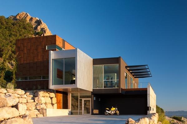 CASA-MODERNA-h-house-axis-architects