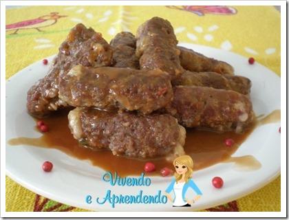 Rolinho de carne moída recheado ao molho madeira e pimenta rosa3