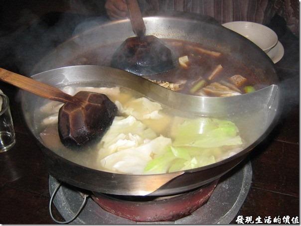 台北-魯旦川鍋。火鍋上場囉!