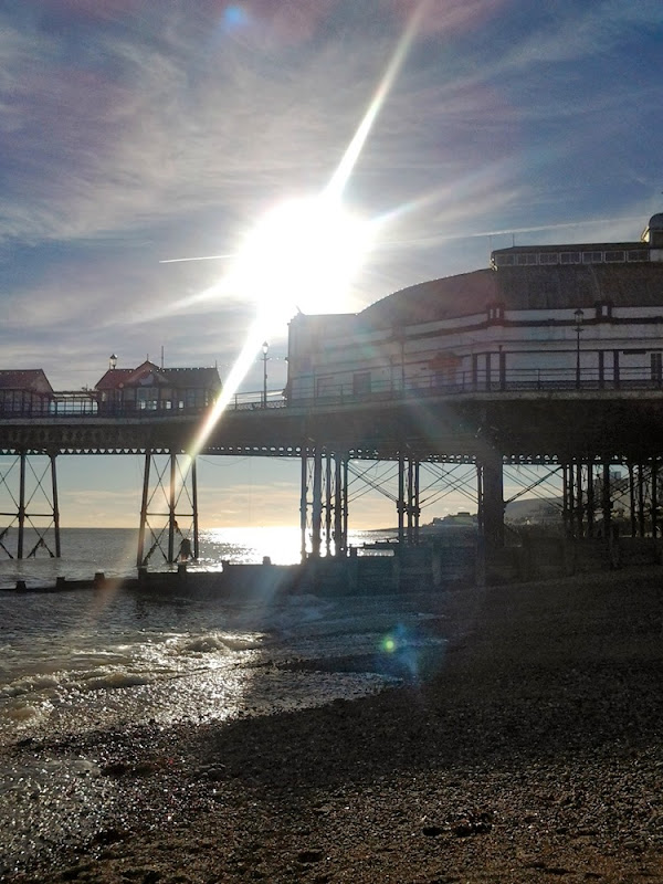 Sunlight through the pier