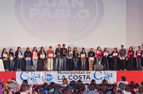El gobierno municipal entregó 1.600 becas a estudiantes de La Costa