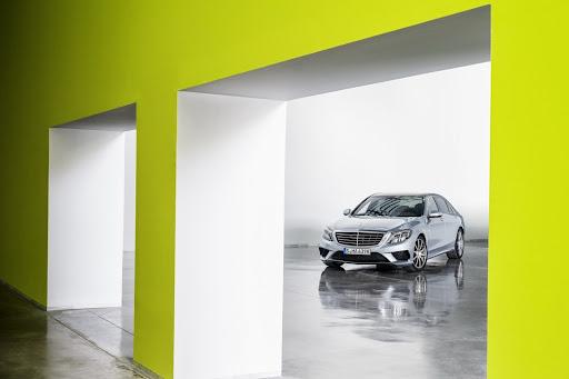 2014-Mercedes-Benz-S63-AMG-18.jpg
