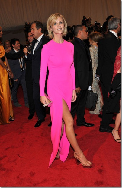 Alexander McQueen Savage Beauty Costume Institute GaYHgNaD-Z_l