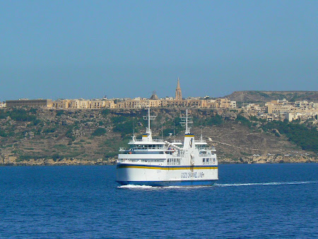 Pictures Malta: ferry from Malta to Gozo