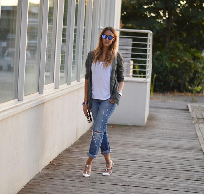 Casual, casual look, jeans boyfriend, valentino rockstud shoes, rockstud valentino, pinko bag, pinako clutch, oakley sunglasses, zara blazer, fashion blogger, fashion, inspiration, look of the day, fashion blogger italiane, outfit