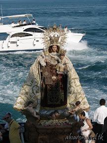 carmen-coronada-de-malaga-2013-felicitacion-novena-besamanos-procesion-maritima-terrestre-exorno-floral-alvaro-abril-(75).jpg
