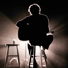Harry Chapin - 1978 by Richard Gibson - People Musicians & Entertainers (  )