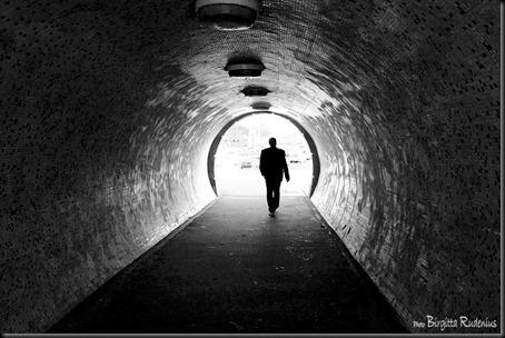 bw_20120321_tunnel