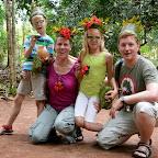 Familie Penzel mit gekrönten Häuptern am Ende der Spicetour. © Foto: Outback Africa Erlebnisreisen