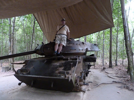 20, tancuri vietnameze.JPG