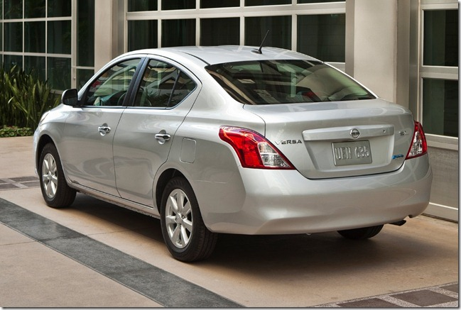 Nissan Versa [2]