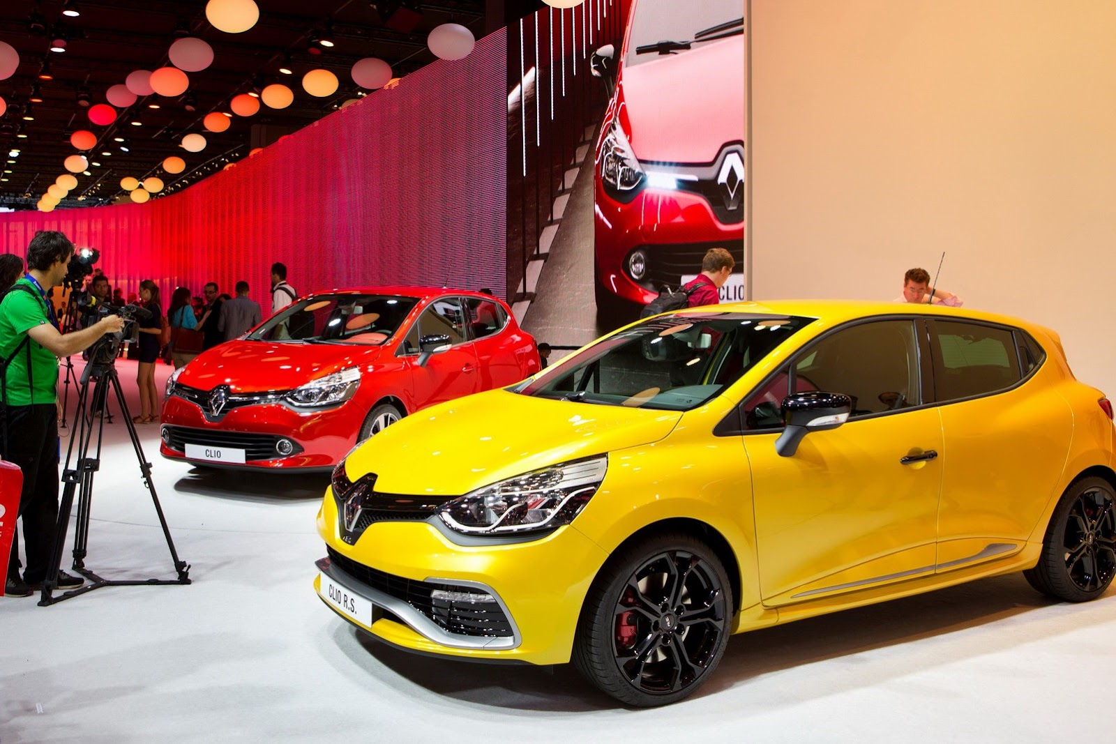 renault to produce new clio mk4 simultaneously in france and turkey carscoop. Black Bedroom Furniture Sets. Home Design Ideas