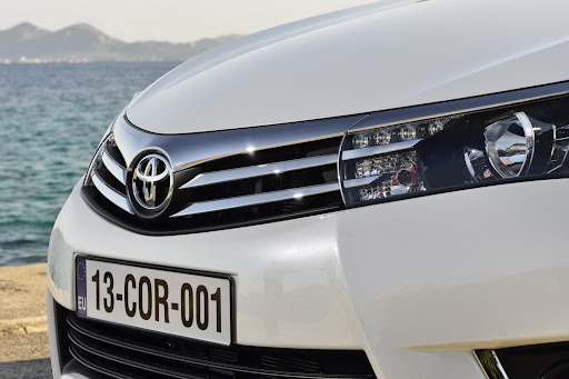 2014-Toyota-Corolla-48.jpg