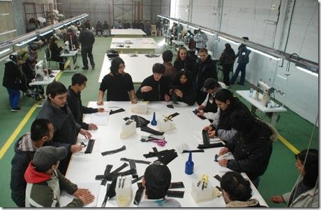 Juan Pablo de Jesús observó el funcionamiento en pleno de los talleres recientemente inaugurados de CALZADOS FIVE S.A