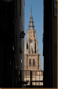 Toledo, Cathedral glimpse N
