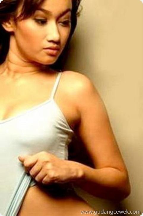 Foto-Foto Panas Ratu Felisha || gudangcewek.com