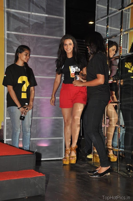 Neha Dhupia Hot Pics in Short Red Pants 15