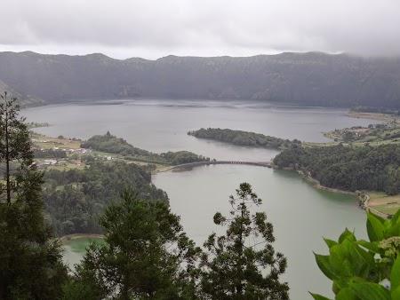 01. Lacul verde, lacul albastru.JPG
