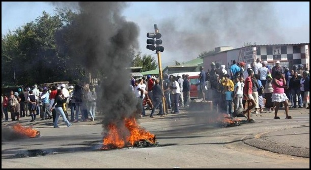 ANC COUNCILLORS TARGETTED IN HEIDELBERG BY BLACK RESIDENTS MARCH2012