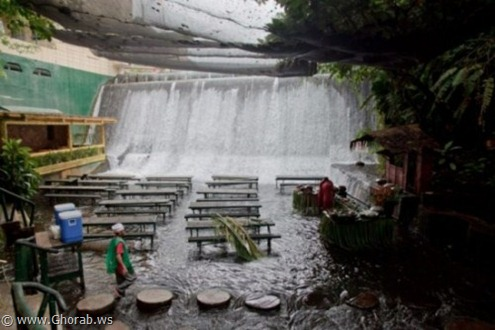 Waterfalls-Restaurant-in-Villa-Escudero-009