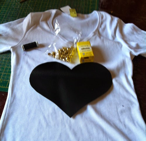 diy-blusa-customizada-coracao.jpg