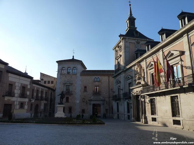 plaza-de-la-villa-madrid.JPG