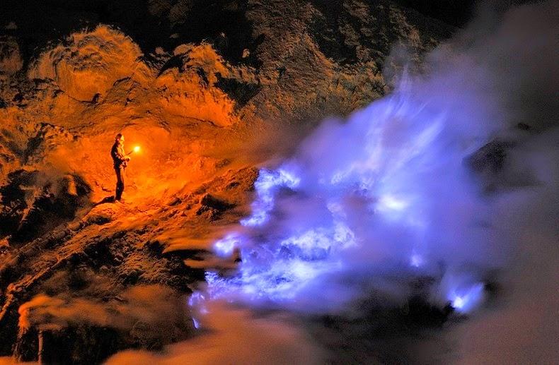 «كواه Kawah بركان لهباً kawah-ijen-7%25255B8