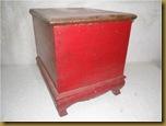 Kotak merah rak - belakang