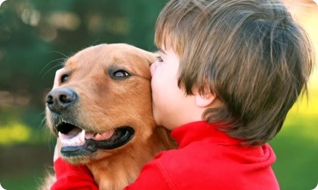 crianca-e-cachorro-amor